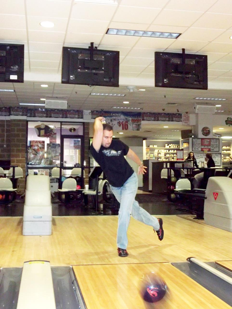 ED IS A GREAT BOWLER!