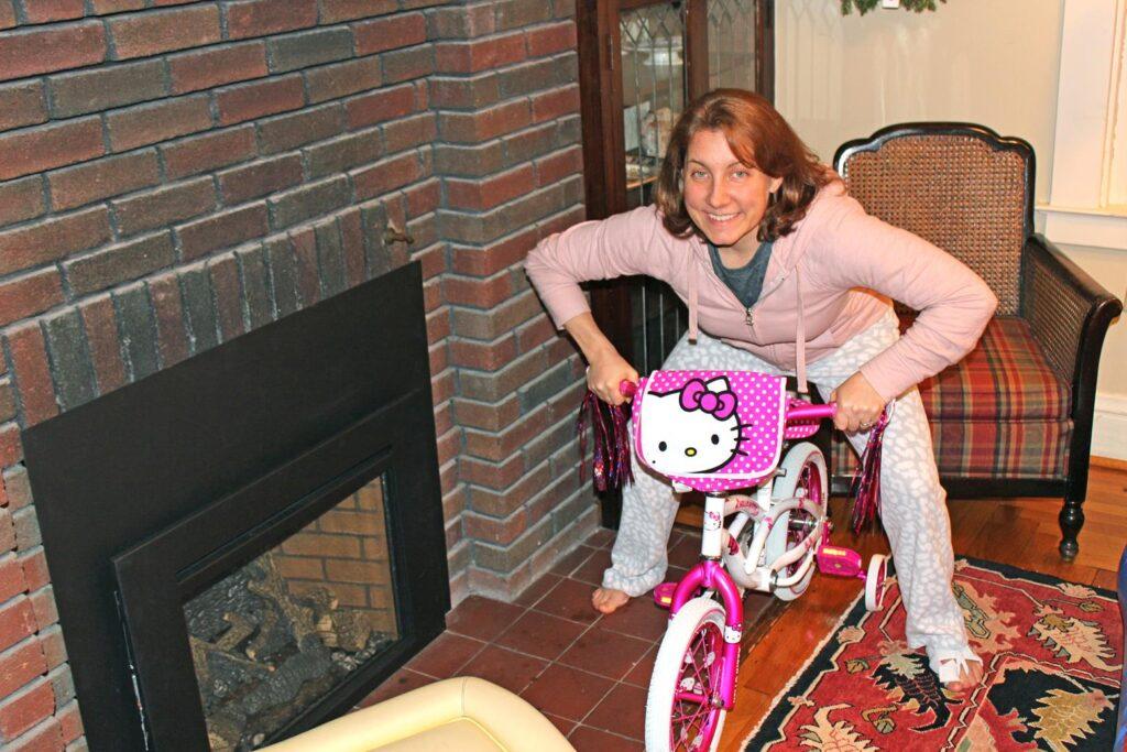 AMANDA GETTING READY FOR A RIDE!