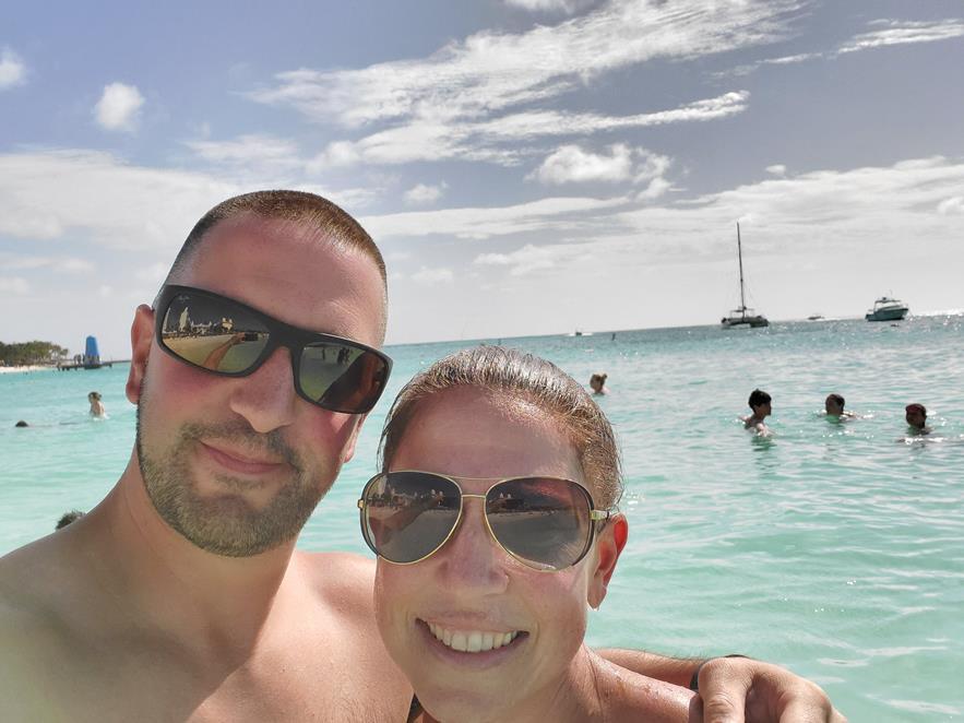 BEACH DAY IN ARUBA