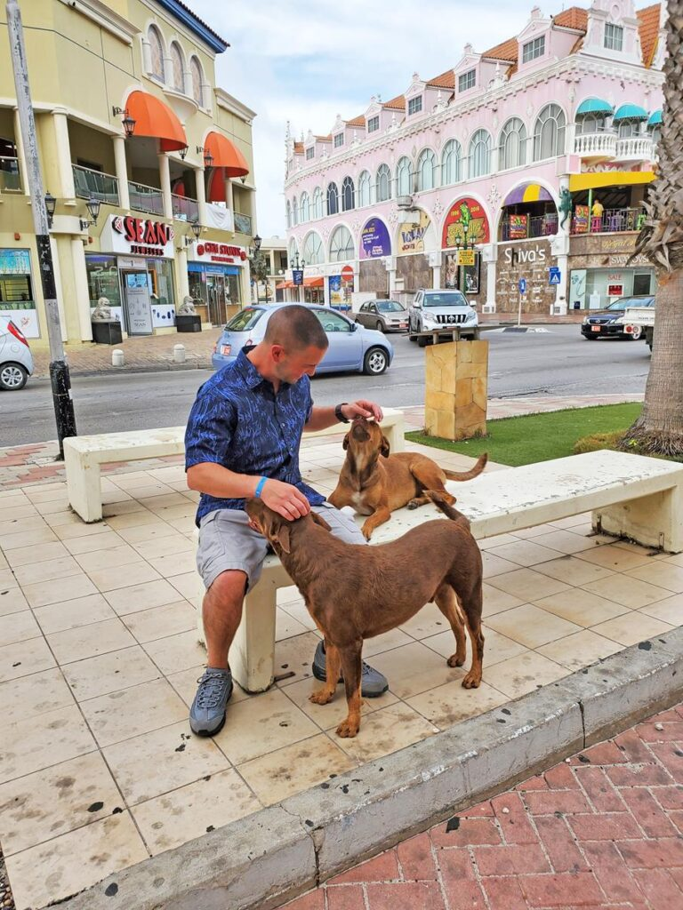 MAKING FRIENDS WITH THE LOCALS IN ARUBA