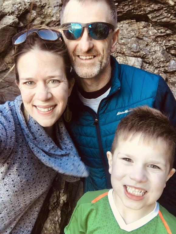 FAMILY TRIP LOOKING FOR SEA GLASS AND OTHER TREASURES