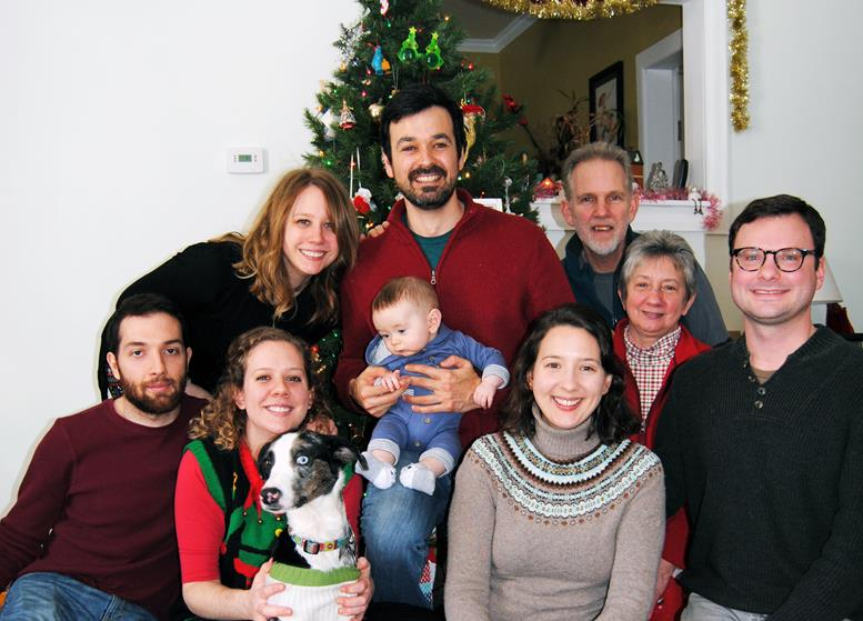 TRADITIONAL CHRISTMAS PHOTO WITH RACHEL'S FAMILY